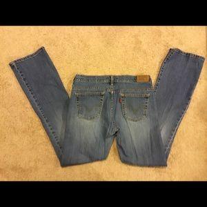 Women's Levi's Jeans